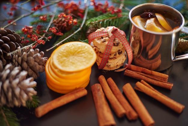 Nahaufnahme der organischen weihnachtsdekoration