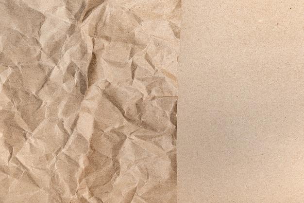 Nahaufnahme der recycelten braunen falte zerknittert alt mit papierseitenbeschaffenheit