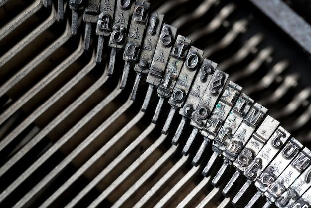 Nahaufnahme der retro-schreibmaschine im studio