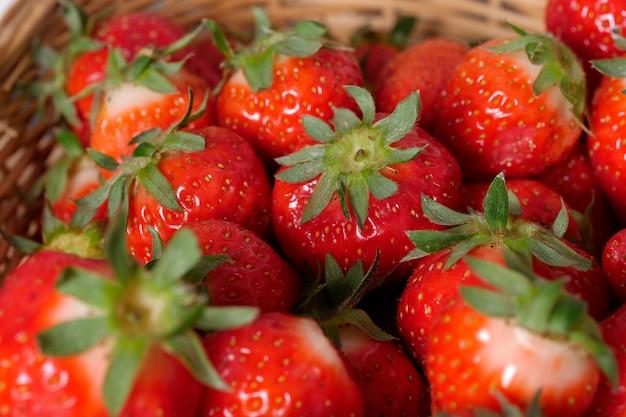 Nahaufnahme der roten erdbeeren