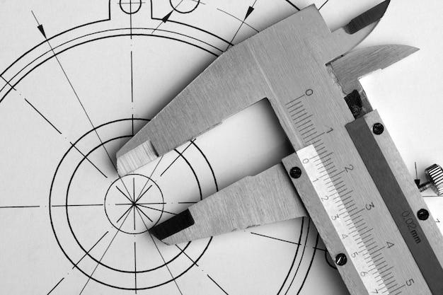 Nahaufnahme der technischen zeichnung und des bremssattels