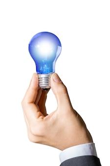 Nahaufnahme der unternehmer mit einer blauen glühbirne