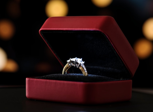 Nahaufnahme des diamantringes