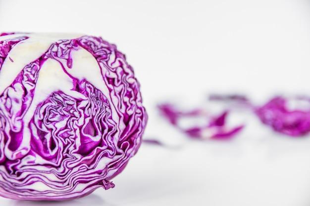 Nahaufnahme des gesunden purpurroten kohls