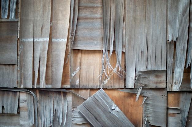 Nahaufnahme die sperrholzwände waren gebrochen.