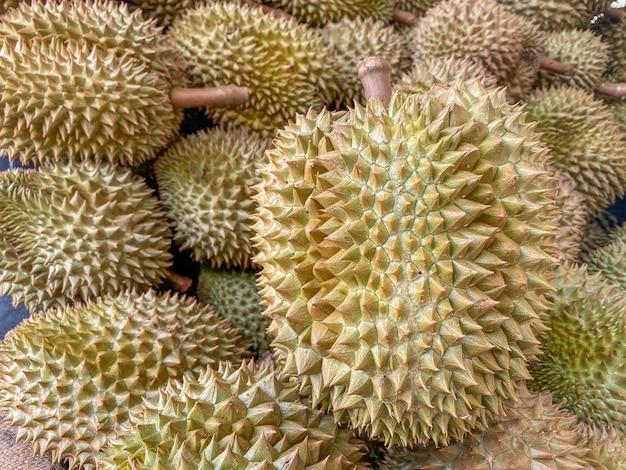 Nahaufnahme durians auf dem markt