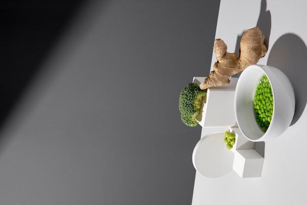 Nahaufnahme einer köstlichen veganen mahlzeit mit hohem proteingehalt