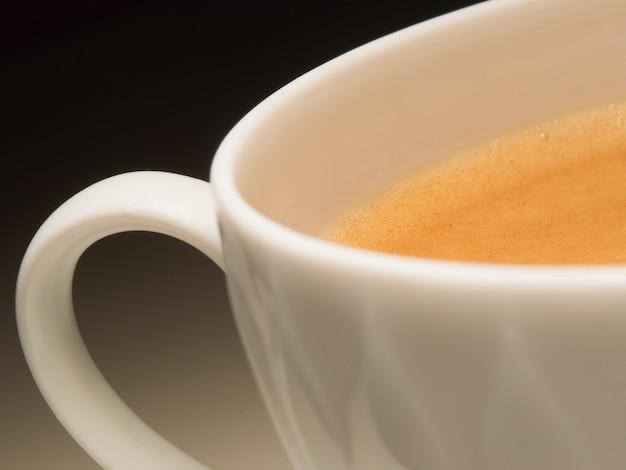 Nahaufnahme einer tasse kaffee