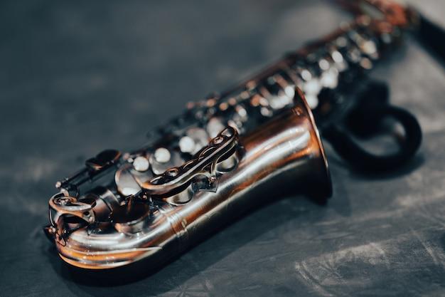 Nahaufnahme eines schönen saxophons