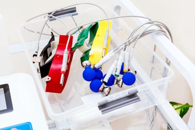 Nahaufnahme ekg maschine für patienten im krankenhaus