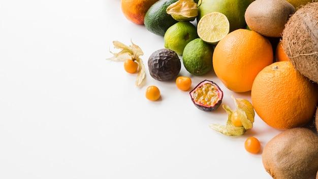 Nahaufnahme exotische früchte mit kopierraum