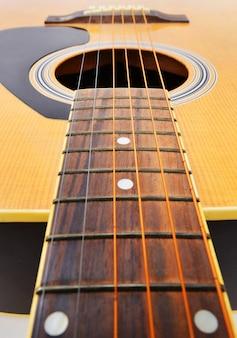 Nahaufnahme foto der akustikgitarre