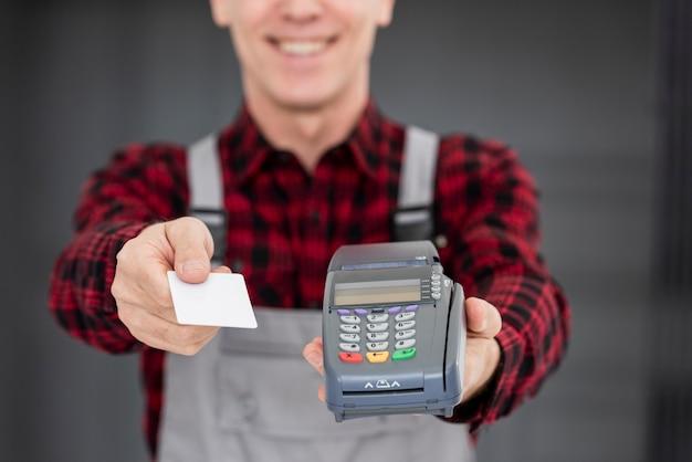 Nahaufnahme für lieferpaket bezahlen
