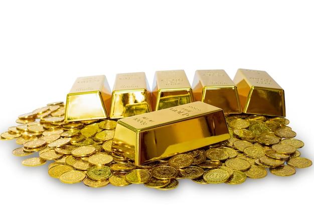 Nahaufnahme glänzender goldbarren 1 kg auf dem los der stapelgoldmünze