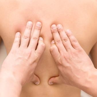 Nahaufnahme hände massage client