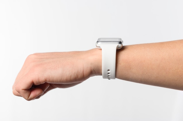 Nahaufnahme hand mit smartwatch