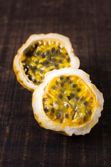 Nahaufnahme köstliche guavenfrucht bereit, serviert zu werden