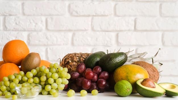 Nahaufnahme köstliche sammlung von exotischen früchten