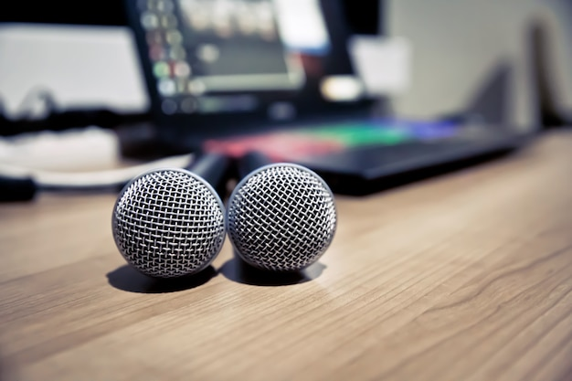 Nahaufnahme mikrofon im studio.