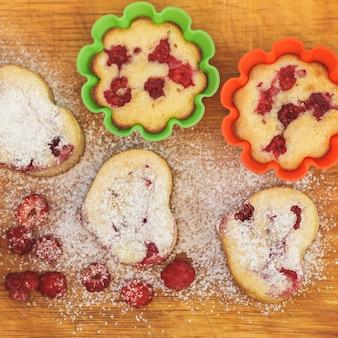 Nahaufnahme muffin, auf einem holztisch