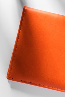 Nahaufnahme orange strukturiertes leder mit schatten