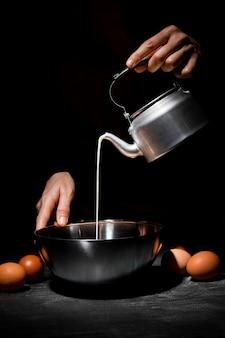 Nahaufnahme person kochen