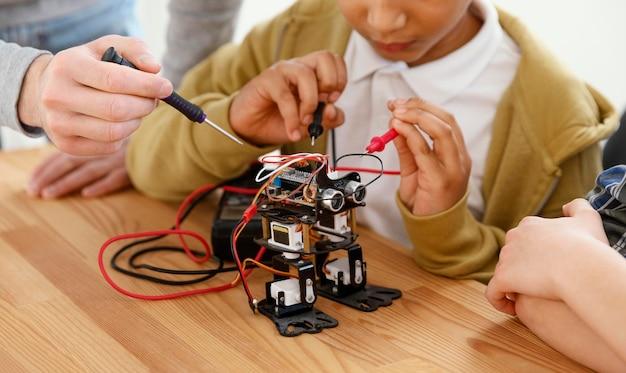 Nahaufnahme roboter machen