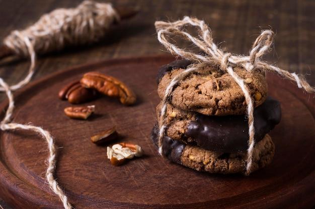 Nahaufnahme schokoladenkekse bereit, serviert zu werden