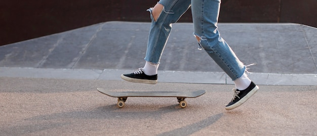 Nahaufnahme skater im park