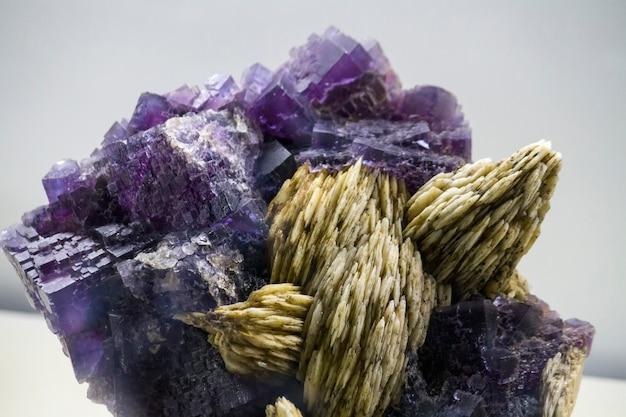 Nahaufnahme von fluorit mineralien.