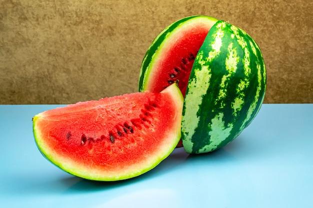 Nahaufnahme von frischen scheiben der roten wassermelone