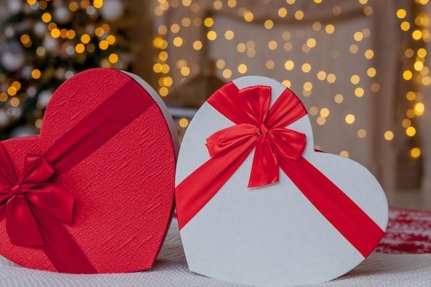 Nahaufnahme von geschenkboxen in herzform