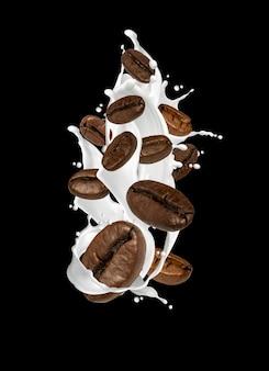 Nahaufnahme von kaffeebohnen und milch