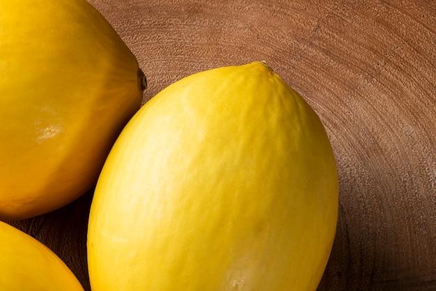 Nahaufnahme von köstlichen und reifen melonen