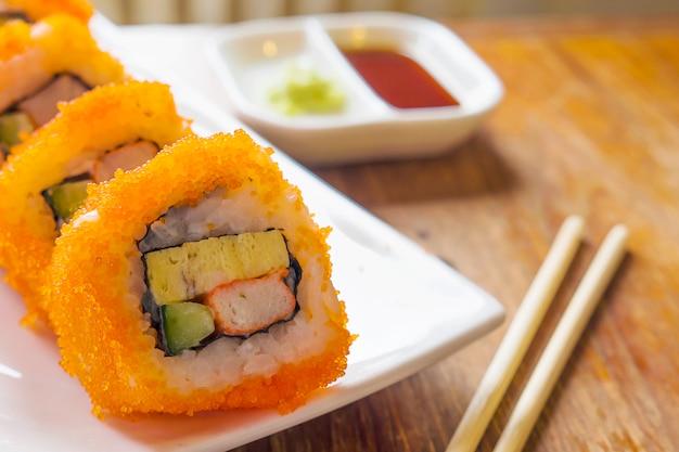 Nahaufnahme von maki sushi