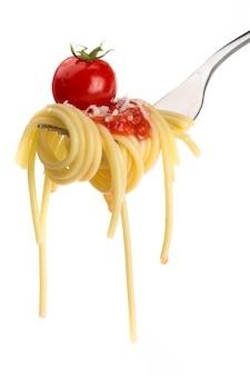 Nahaufnahme von pasta spaghetti mit tomatensauce