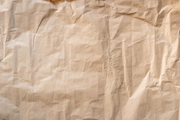 Nahaufnahme zerknitterte braune papierbeschaffenheit