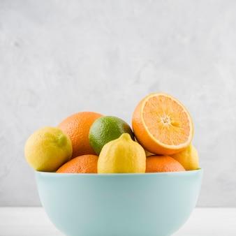 Nahaufnahmeanordnung von bio-früchten