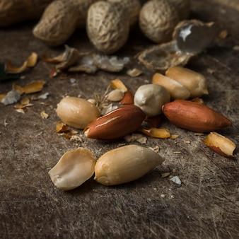 Nahaufnahmemischung von geschmackvollen erdnüssen