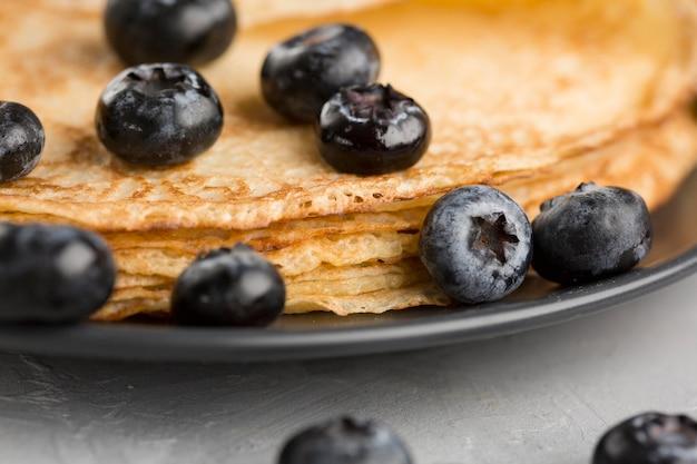Nahaufnahmepfannkuchen mit blaubeeren