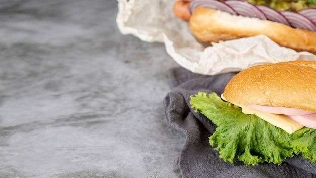 Nahaufnahmesandwiche mit kopienraum