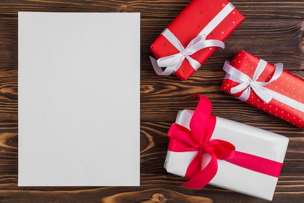 Nahe papiersatz geschenkboxen mit bändern