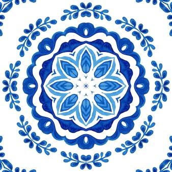 Nahtloses muster des blauen damastes des aquarells, blumenverzierung des mandalas. königsblauer abstrakter filigraner hintergrund.