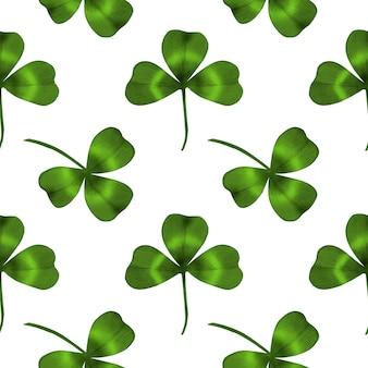 Nahtloses muster mit grünem kleeblatt auf weißem hintergrund