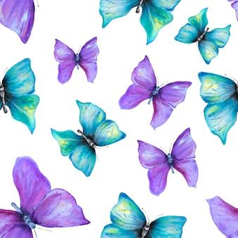 Nahtloses muster mit violetten und blauen schmetterlingen