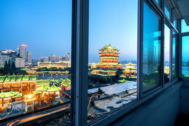 Nanchang-tengwang pavillon nachts, ist einer des chinesischen berühmten alten gebäudes