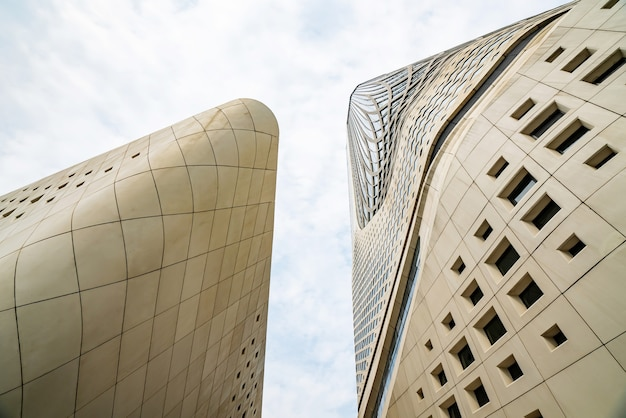 Nanjing, jiangsu, china - 25. september 2020: architekturmerkmale des internationalen jugendkulturzentrums nanjing