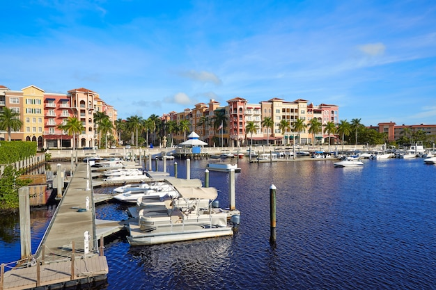 Naples bay-jachthafen in florida usa