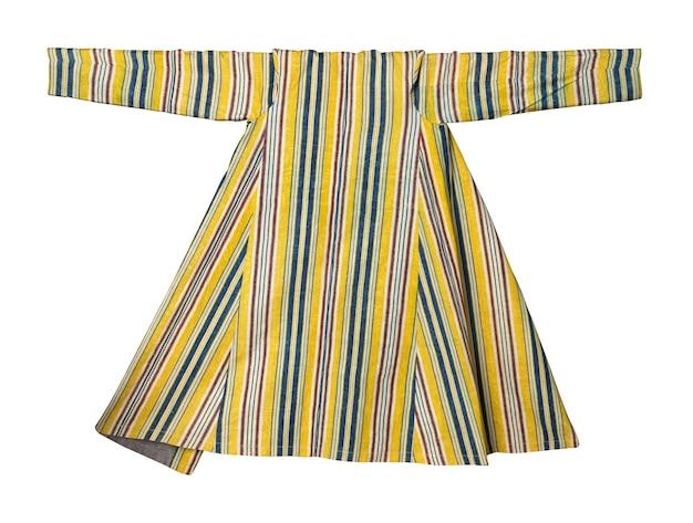 Nationale östliche oberbekleidung auf weißem hintergrund. asiatisch, usbekisch chapan