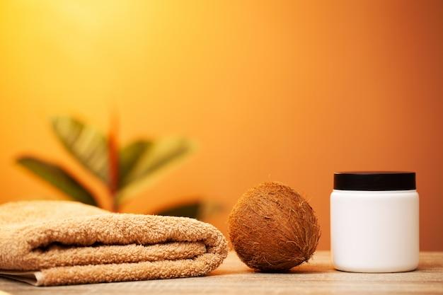 Natürliche bio-kokoscreme für die hautpflege